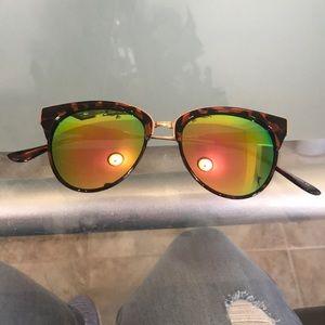 Steve Madden cat eye sun glasses
